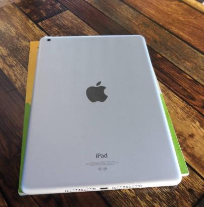 老公出差用的苹果5代的平板,32G 的九五成新以上